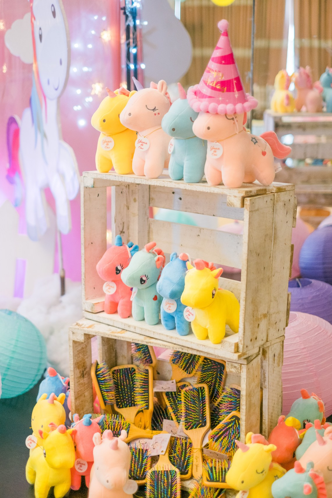 dyosathemomma: First Birthday party Ideas-unicorn theme-Mariana Jazrine-Amaria Niszha-mommy blogger ph-kiddie party ideas-unicorn stuffed toys