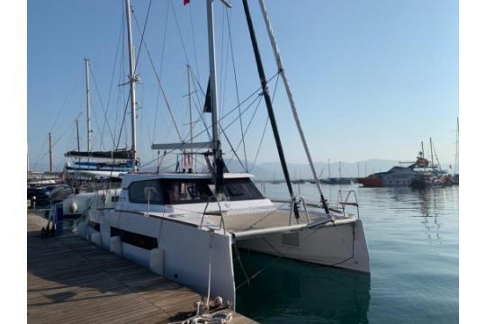 Aventura 34 Catamaran