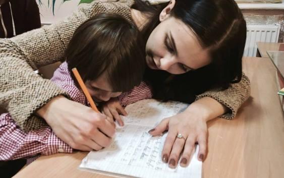 Дарувати дітям увагу, а не лише «купюри»: проект студентської благодійності «Відлуння»