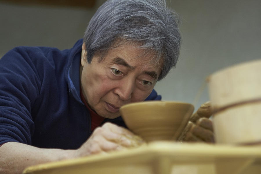 HOSOKAWA MORIHIRO: THE ART OF LIFE, A REBIRTH IN CLAY