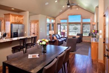 Sage-Canyon-Cabin-Livingroom-Kitchen