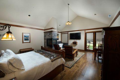 Sweet dreams at the Serenity Cabin