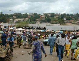 Capitales africaines : Marché du Mfoundi à Yaoundé
