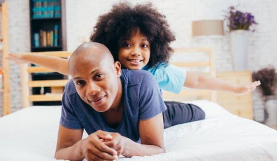 père et fille africain