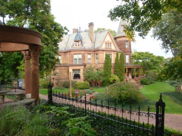 Kalamazoo's Henderson Castle