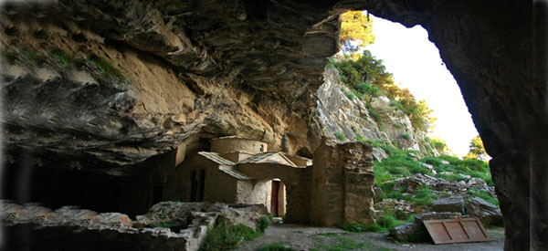 Davelis-Cave