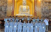 2014-06-11馬來西亞青年來訪于大雄寶殿合影