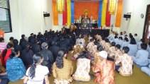 如音法師於Kemiri佛教村開示,佛法不單只是個信仰,更需要落實於生活。