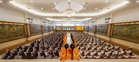 短期出家修道會所有與會者正授後大合照。
