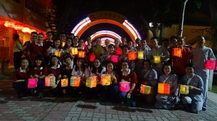 東禪佛教學院新生剛報到就與東禪寺大眾度過愉快的中秋節。