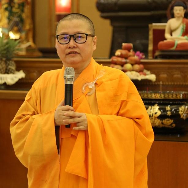 覺誠法師勉勵信眾秉持「佛教靠我」的精神,精進勇猛地學佛的同時,也有義務把佛法傳承下去。