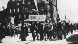 Poznański Czerwiec '56. Fot. PAP/CAF/Reprodukcja