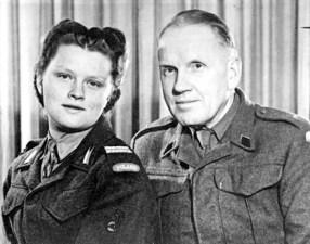 Krystyna Zakrzewska z ojcem – Foxley, Hereford 1948