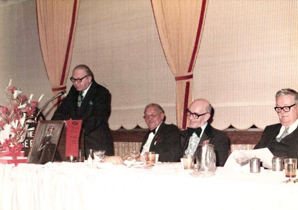 Ref-Ren, przemawia na 40. jubileuszu pracy dziwnnikarskiej A. Grzegorzewskiego, 1976 r.