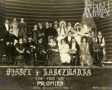 """""""Diabel i Karczmarka"""" – sztuka w wykonaniu tow. muz. lit. Promień, 13 lutego, 1916. Zdjęcie - Rozanski Bros"""