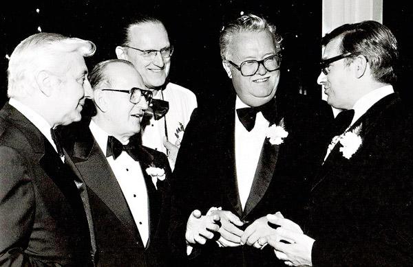Uczestnicy Balu Letniego MPA w 1982: Roman Pucinski, Joseph Drobot, Aloysus Mazewski, Lozef Zurawki i Walter Mieczynski