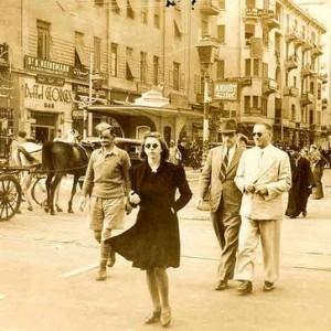 Kairska ulica w latach 40-tych, źródło: egyptianstreets.com