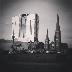 Kasyno i kościół obok siebie, Niagara Falls