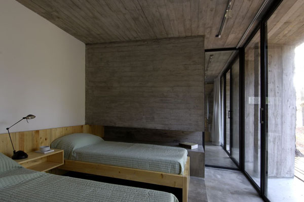 concrete-house_forest-mar-azul_argentina-11