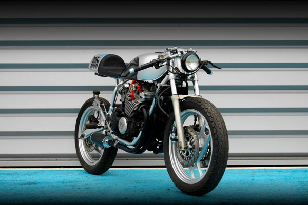 Industrial_Design_Yamaha_XJ_600_Bike_03