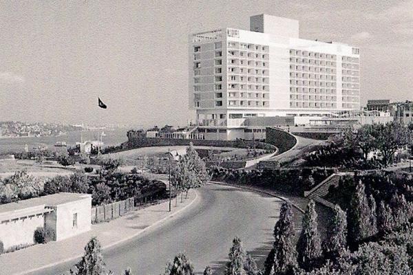 Istanbul Hilton photo Ezra Stoller