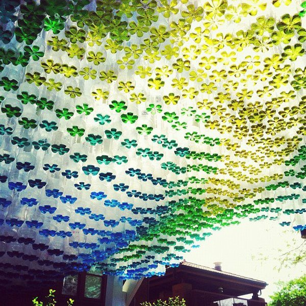 parking-canopy-made-from-recycled-plastic-bottles-02