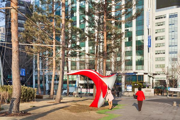 interactive-sculpture-seoul-yobosayo-04