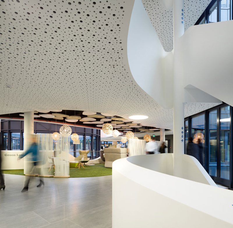 Easy Credit Headquarter in Germany by Evolution Design - 02
