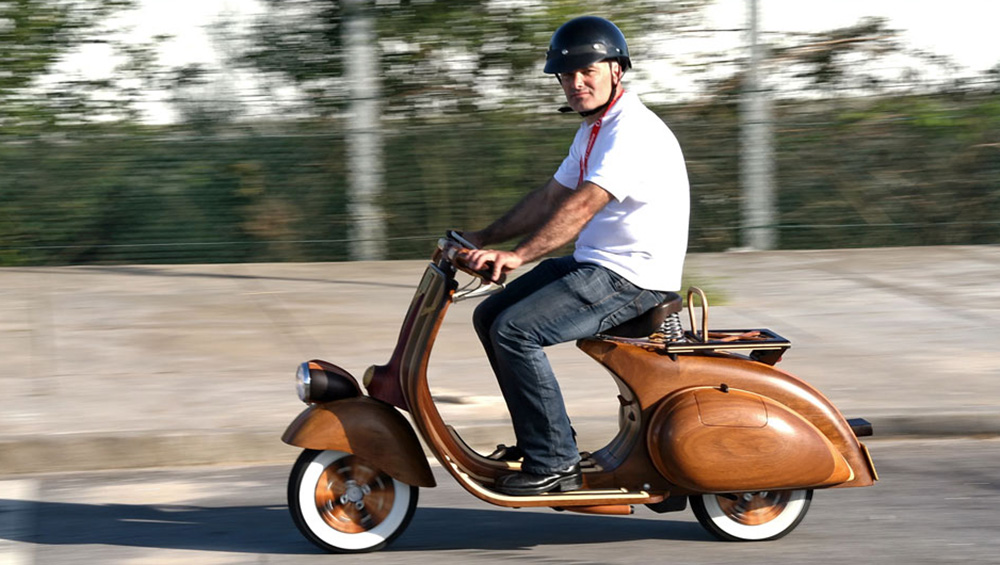 Wooden Vespa designed by Carlos Alberto - 08