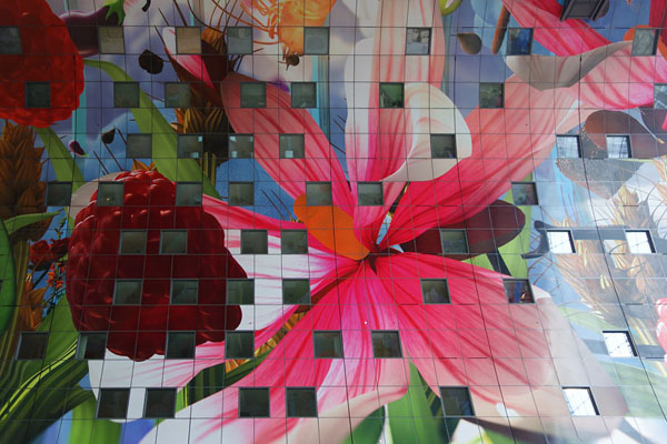 arno-coenen-horn-of-plenty-digital-mural-at-rotterdam-markthal-05