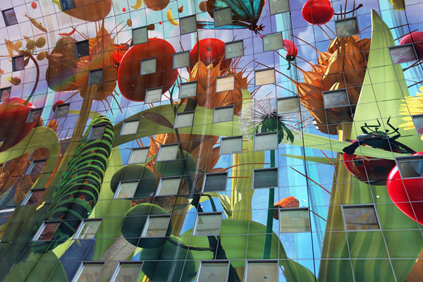 arno-coenen-horn-of-plenty-digital-mural-at-rotterdam-markthal-06