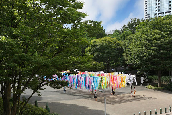 emmanuelle-moureaux-shinjuku-central-park-100-colors-02