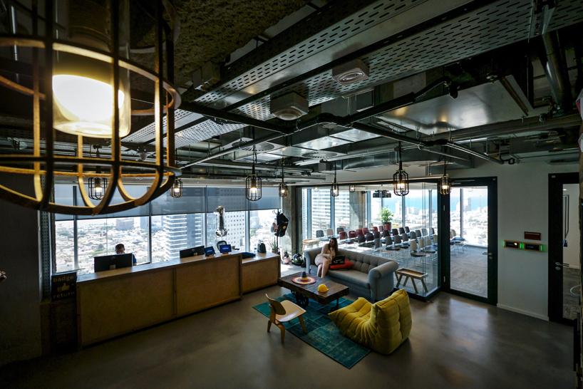 工作室光束照亮了特拉维夫新的Facebook办公室