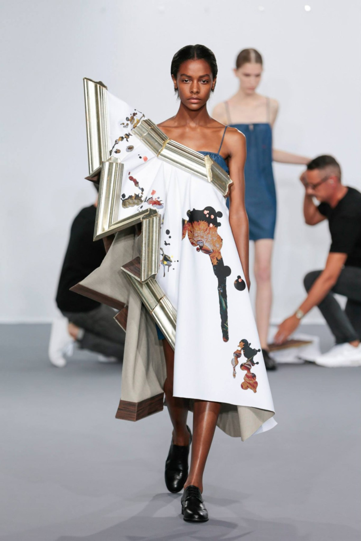 Viktor And Rolf Showcase Their Wearable Art Collection In