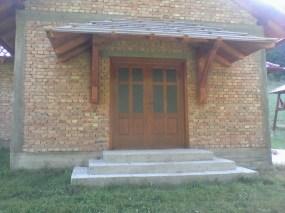 главни улаз у цркви-1