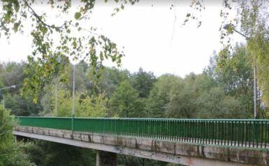 Jaunimo parko tilto laukia remontas