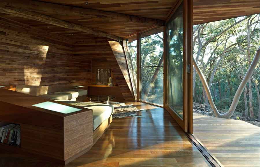 Trunk House: Australian Rural Property, Central Highlands