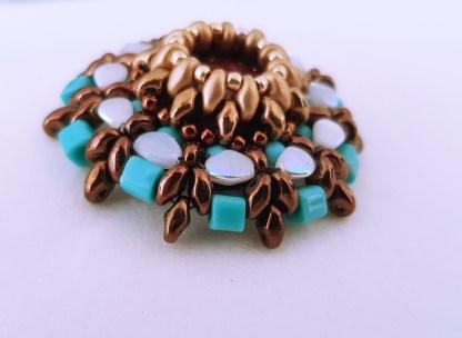 Broşa Red Jasper şi mărgele turquoise 2