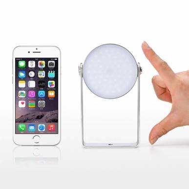 iPhone6 と同じぐらいの大きさ