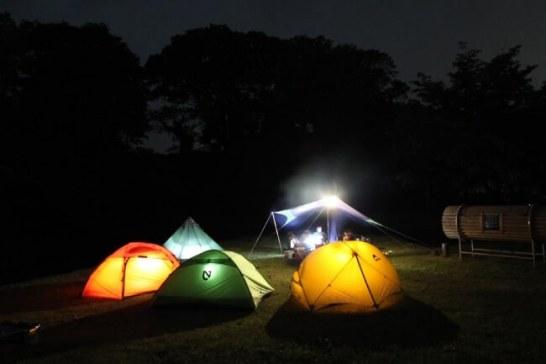 三越日本橋本店の屋上で週末キャンプ