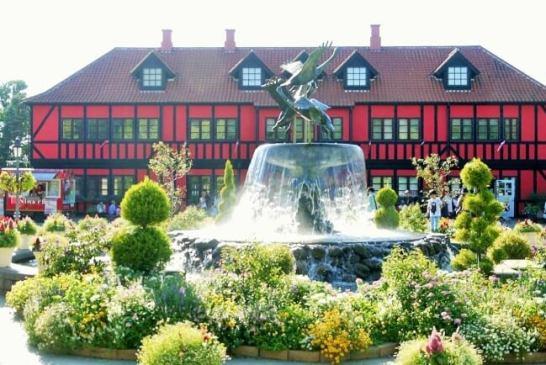 デンマークの雰囲気が感じられる園内