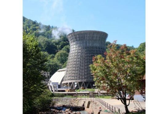 松川地熱発電所の外観(撮影:JOGMEC)