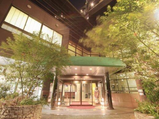 【1位:嬉野温泉 ホテル華翠苑】外観