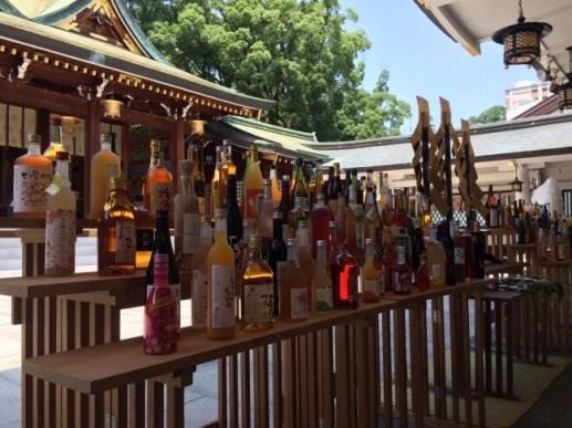初日は全国の梅酒170種以上の梅酒奉納式を執り行う。見応えがすごい!※2016年全国梅酒まつりin西宮 西宮神社にての風景