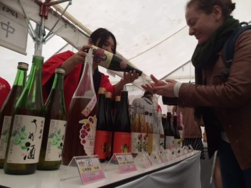 東京会場は訪日外国人の方も多数来場!梅酒はグローバルに人気を集めてます