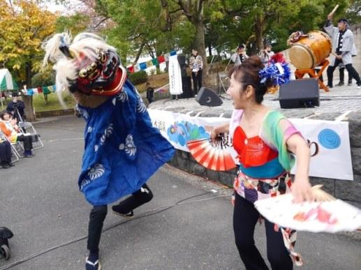 女川町(宮城県)の小乗浜実業団「獅子舞」演舞