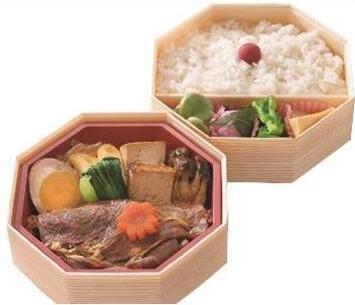 〈浅草今半〉すき焼きお花見弁当 2,160円/地下1階