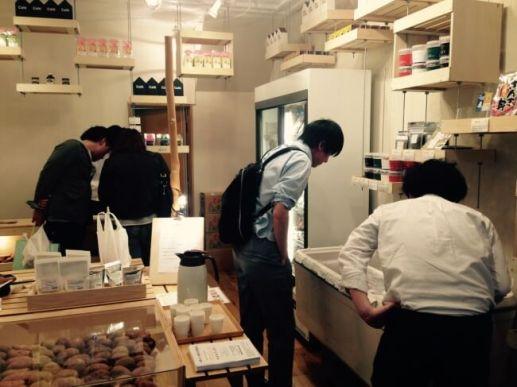 全国の選りすぐりの物産品が人気の「neoichi」の店内