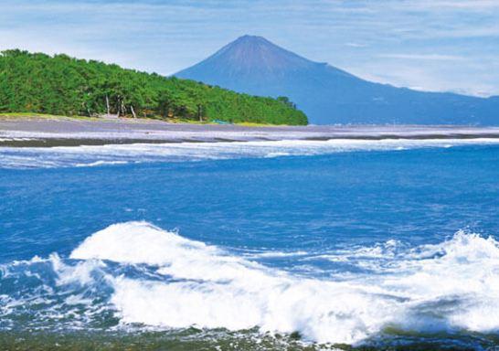 1位 富士山(ふじさん)<山梨県、静岡県>