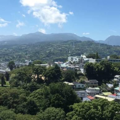 小田原城天守から見た石垣山城方面